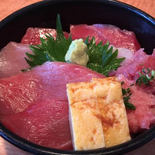 マグロ切符のマグロ丼(鮮味楽)