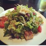 魚のソテーのグリーンサラダ