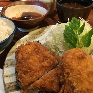 カニクリームコロッケとひれカツ膳(名代とんかつ かつくら ミント神戸店 (なだいとんかつ かつくら))