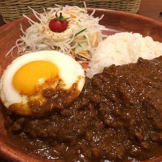 カレーハンバーグディッシュ(びっくりドンキー 新宿靖国通り店 )