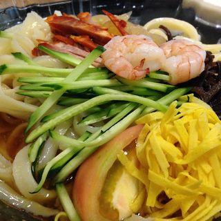 冷やし刀削麺(餃子酒場 )