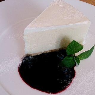 北海道クリームチーズのケーキ ブルーベリーソース(デザートセット)(トップス コレド室町店)