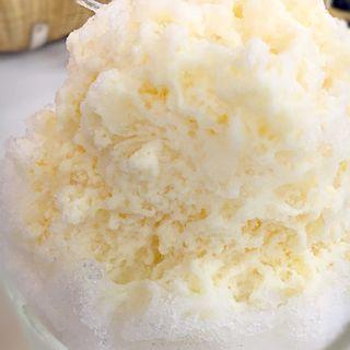 氷ミルクプリンソフト(角屋)