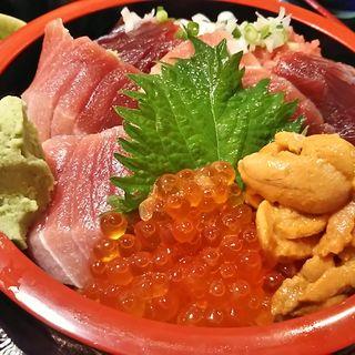 三陸ウニのスペシャル丼(男鹿半島 東陽町店 (おがはんとう))