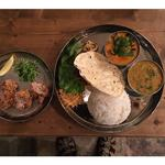 シジミのスープカレーと山東菜の豆カレー