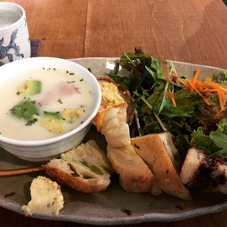 本日のスープランチ(パン)(Cafe kuma.co)
