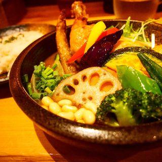 チキンと1日分の野菜20品目(Rojiura Curry SAMURAI.(路地裏カリィ侍.)下北沢店)