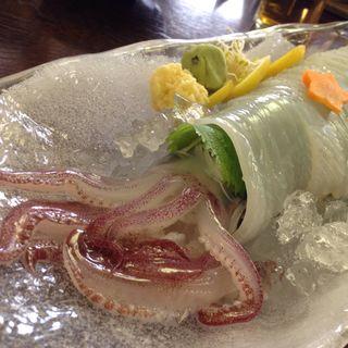 いけすに泳ぐ!泳ぎいか(100g)(泳ぎいか・ふぐ・いわし・大阪懐石料理・遊食遊膳 笹庵 (ささあん))