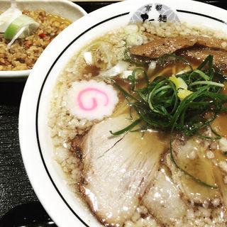 豚骨清湯ラーメン(並)(京都 麺屋たけ井 阪急梅田店 (きょうと めんやたけい))