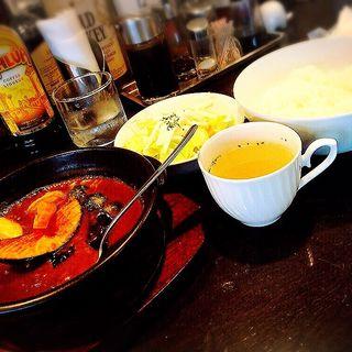 野菜カレー(スープ・サラダ付)(KAZUSAYA )