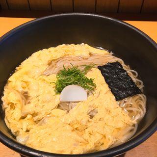 玉子とじのおうどん(つるとんたん 六本木店 )