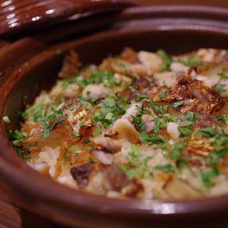 鮎の土鍋ご飯(日本料理 e. (ニホンリョウリ イーピリオド))
