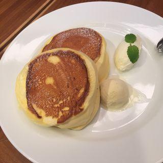 スプーンで食べるホットケーキ(ブラザーズカフェ なんば店 (BROTHERS Cafe))