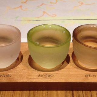 利き酒(銀座 遠音近音 (Ochi Kochi))