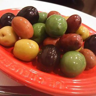 三種のオリーブのマリネ(KAZ (カズ))