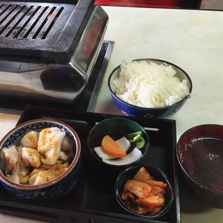 ホルモン定食(焼肉 大学 )