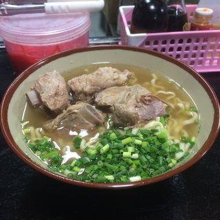 ソーキそば(丸安そば)