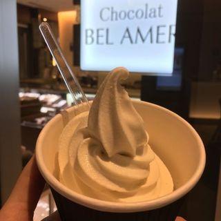 ショコラソフトクリーム ホワイト(ベルアメール 紀尾井町店 )