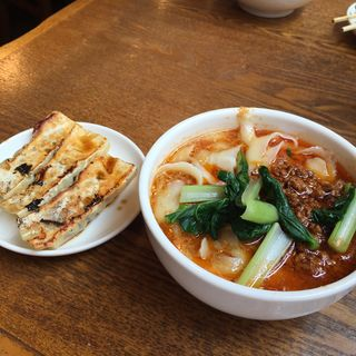 タンタン麺ハーフセット(XI'AN 新橋店 (シーアン))