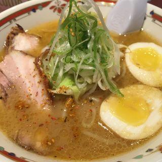 味噌卵ラーメン(狼スープ)