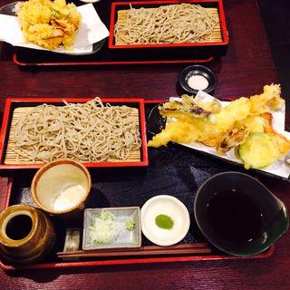天ぷらそば(手打ち十割蕎麦の店 楽食)