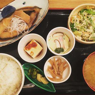 煮魚定食(刻食 (コク))