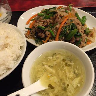 牛バラ肉と空心菜炒め(中華料理 家宴 )