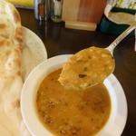 ダルマサラ(豆とトマトと玉ねぎで味付けた野菜カレー)