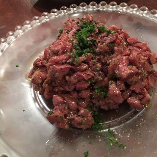 蝦夷鹿もも肉のタルタル(Nico Chelsea (ニコチェルシー))