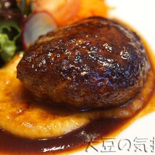 ハンバーグステーキデミグラスソース(レストラン七條)