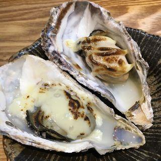 牡蠣の炙りチーズと炙りマヨ(かき鐵 (カキテツ))