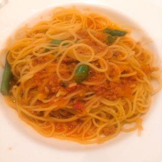 魚介のラグートマトソーススパゲッティ(アン カフェ (un cafe))