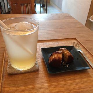 レモンの酵素ジュースとベリーマフィン(gomcafe)