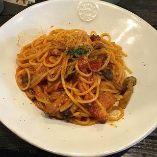 イベリコベーコンとキノコのアラビアータ(Italian Kitchen VANSAN 下高井戸店)