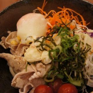 夏季限定!稲庭風 冷製サラダうどん(カフェ マ メール (ホテルプラザ神戸))