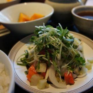 味噌汁と魚料理と美味しいご飯(日本茶カフェ一日 (ひとひ))