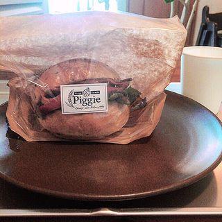 BLTバーガー(スープとパンのお店「ピギー(Piggie)」)