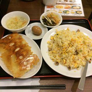 焼餃子+五目炒飯(你好 神田小川町店 (ニイハオ))