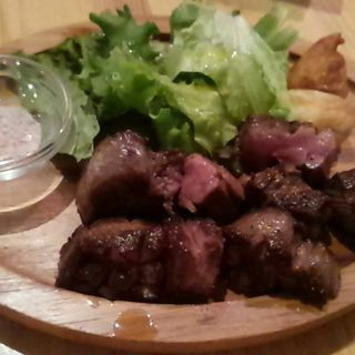 厚切り牛タン(お肉イタリアン TUNA (ツナ))