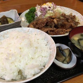 牛バラ焼肉定食(富くどり食堂)