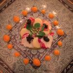 オマールブルーとキャビア 桃とパッションフルーツのジュレ