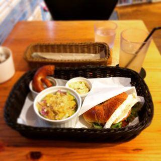 下北沢駅周辺で食べられるサンドイッチランキング   SARAH[サラ]