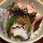 海鮮丼と安芸灘産若布にゅう麺の海鮮丼