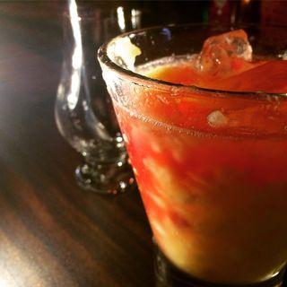 桃のカクテル(寺町Bar Cocktail&Heart)