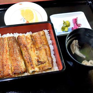 うなぎ丼(いぬぶし )