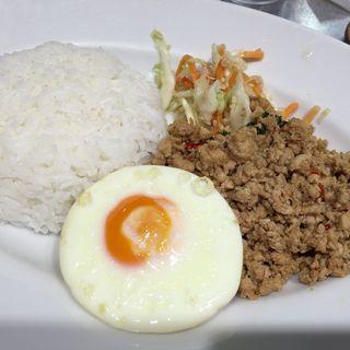 鶏のガパオ(マンゴツリーキッチン グランスタ )