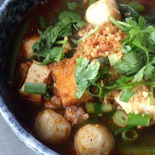 クウェティオ ナーム(トムヤム麺)(タイ屋台 コンタイ )