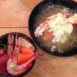 ミニ海鮮丼とカニ汁(ヤン衆 北の漁場 おたる運河店)