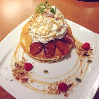 焼きリンゴとキャラメルのパンケーキ(バリーズ )