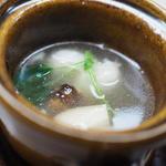 早松茸と和牛ホルモンの土瓶蒸し